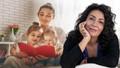 Ünlü İletişim Uzmanı Nuran Yıldız'dan Anneler Günü paylaşımı: Annelerin öpmediği yaralar iyileşmez!