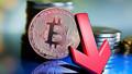 Çin kripto paraları yasakladı, Bitcoin tepe taklak oldu!