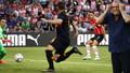 Galatasaray, PSV'ye farklı kaybetti! Tur şansını zora soktu