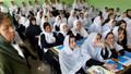 Afganistan'da okullar açıldı: Taliban'dan skandal kız öğrenci kararı!