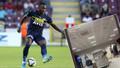 Fenerbahçeli futbolcu Osayi Samuel'den hakemlere küfür