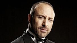 Ünlü oyuncu Halit Ergenç'e çirkin saldırı!