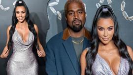 Kim Kardashian mini elbisesiyle yürek hoplattı