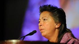 Kıbrıslı Türk yazar, Nobel Barış Ödülü'ne aday!