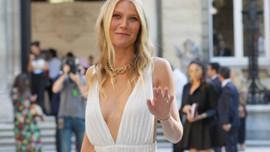 46 yaşındaki Gwyneth Paltrow'dan çırılçıplak poz!