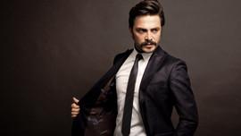 Ahmet Kural, avukat sevgilisiyle mi evleniyor?