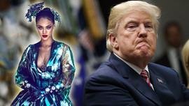 Rihanna Donald Trump'ı bombaladı!