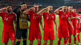 UEFA'dan asker selamı açıklaması