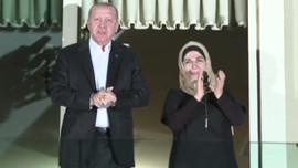 Erdoğan'dan sağlık çalışanlarına alkışlı destek