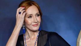 J. K. Rowling'den karantina sürprizi!
