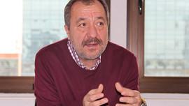 Milliyet yazarı Mehmet Tezkan: Adliyenin önünden geçsek bizi de tutuklayacaklar