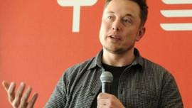 Elon Musk ağlayarak içini döktü: O tweet'i esrar içtikten sonra atmadım