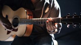 Ünlü müzisyen kalbine yenik düştü!