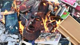 Rahipler Harry Potter kitaplarını yaktı!