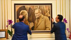 Ekrem İmamoğlu, Atatürk tablosunu yeniden astı