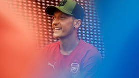 Mesut Özil bıçaklı saldırı sonrası ilk kez konuştu