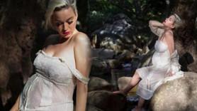 Ünlü şarkıcı Katy Perry hamile haliyle soyundu