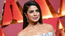 Bollywood yıldızlarına 'ikiyüzlülük' eleştirisi!