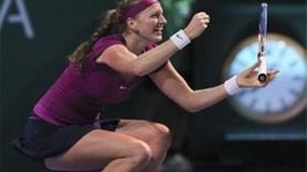 WTA TENİS ŞAMPİYONASINDA ŞOK! PETRA KVITOVA ÇEKİLDİ!