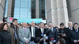 DENİZ FENERİ DAVASI CHP'NİN PROTESTOSUYLA BAŞLADI