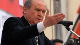 BAHÇELİ'DEN AHMET KAYA TEPKİSİ; ''MEŞHUR PKK'LI UTANMADAN ÖDÜLLENDİRİLDİ''