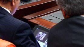Milletvekilleri seks kaseti izlerken yakalandı!