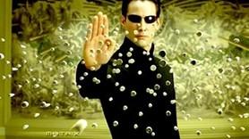 Hangi Sabah yazarı Matrix'i 'uzaylı filmi' sanıyor?