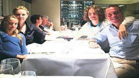 Cem Uzan'dan 5 yıl sonra aile fotoğrafı!