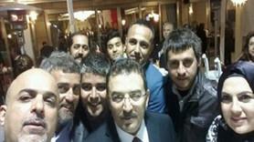 Polis muhabirlerinden balo selfiesi!