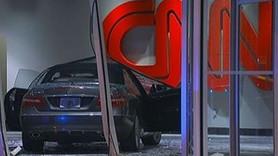 CNN'in merkezine arabayla girdiler!