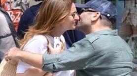 Ceyda Düvenci sevgilisiyle sokak ortasında öpüştü