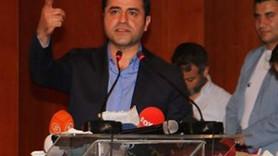 Demirtaş TRT mikrofonunu düşürdü salon güldü!