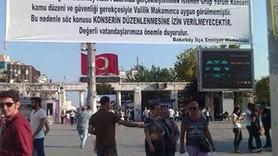 Polisten Grup Yorum konserine 'Gitmeyin' pankartı