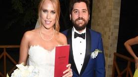 'Seksenler' dizisinin oyuncuları evlendi!