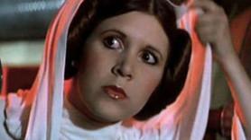 Star Wars'ın yıldızı uçakta kalp krizi geçirdi!