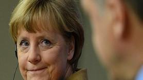 Merkel'den flaş açıklama! Erdoğan'a hakaret eden Alman komedyen...