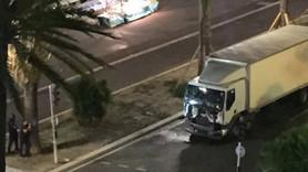 Nice'da kamyon kalabalığa böyle girdi!