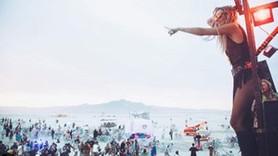 Ünlüler Burning Man'e akın etti