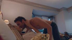 Dilan Deniz Çiçek'ten öpüşme sahnesi eleştirilerine cevap