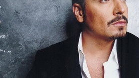 Ünlü şarkıcı Cenk Eren'in acı günü!