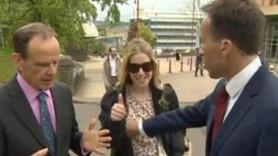 BBC muhabiri, canlı yayını bölen kadını 'memesinden tutarak' itti!
