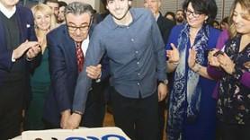 Blu Tv 2. yaşını kutladı! Pastayı Aydın Doğan kesti!
