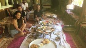 Hollywood yıldızları Türkiye'de yer sofrasında!