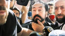 """Eski vekilin oğlundan skandal Adnan Oktar açıklaması! """"Annemi kandırıp..."""""""