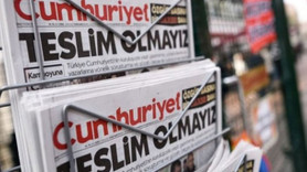 Cumhuriyet Gazetesi'nde iki ayrılık birden! Hangi köşe yazarları veda etti?