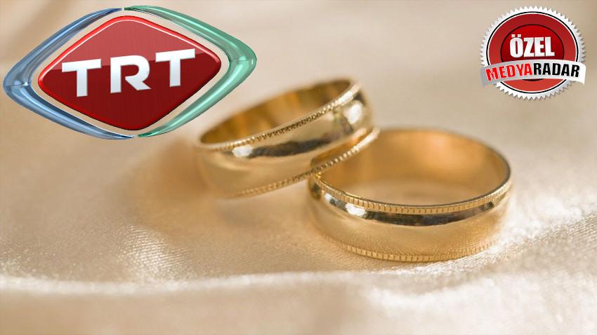 Evlilik yolunda ilk adımı attılar!