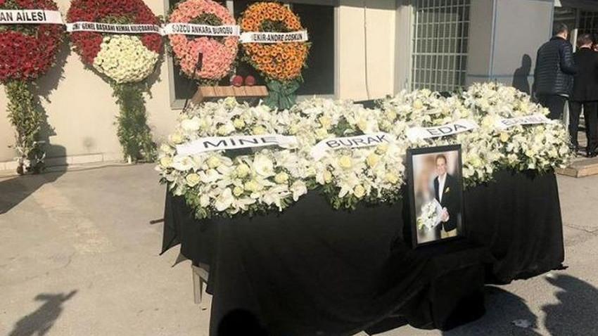Ertuğrul Akbay son yolculuğuna uğurlanıyor! Sözcü Gazetesi önünde tören!