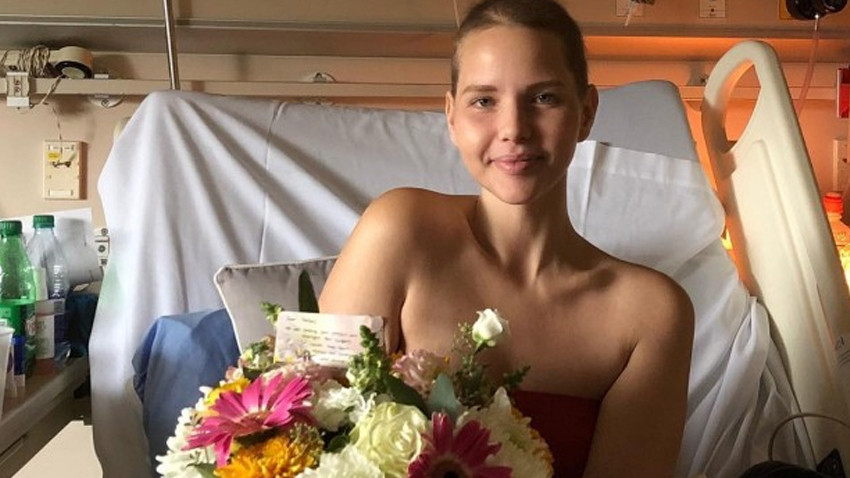Dünyaca ünlü manken Elly Mayday kansere yenildi