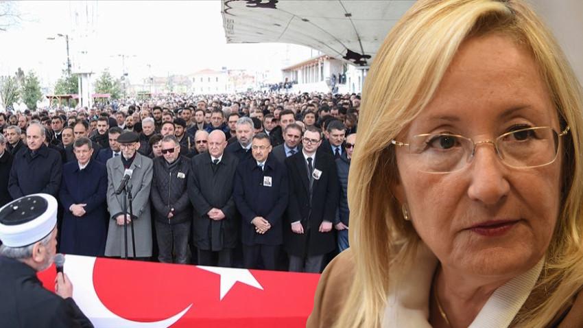 Star yazarı Beril Dedeoğlu son yolculuğuna uğurlandı
