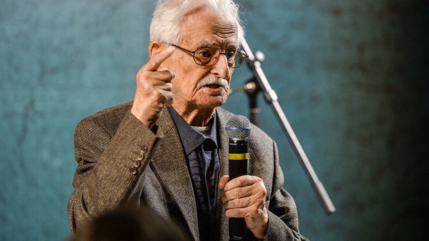 Ünlü yönetmen 93 yaşında hayatını kaybetti!